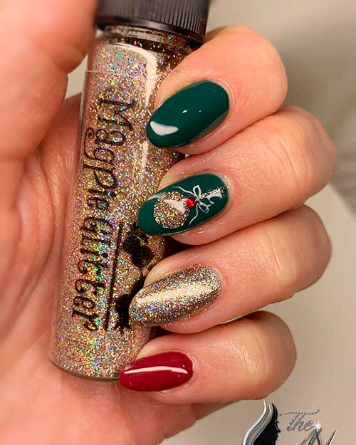 Cute dark green Christmas nails with gold glitter and accent red nail design for Christmas 2020!